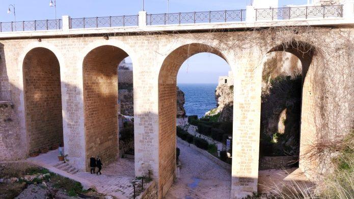 Polignano most
