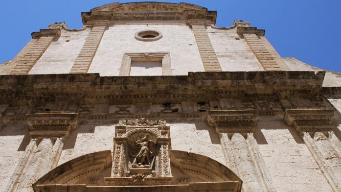 Zwiedzanie Apulii samochodem - katedra w Monopoli