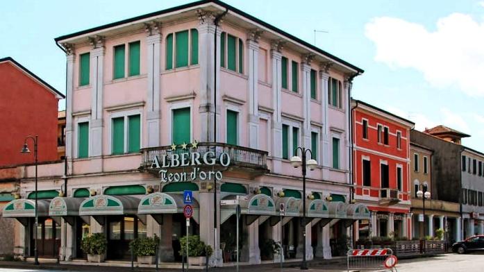 Apulia samochodem - hotel Leon