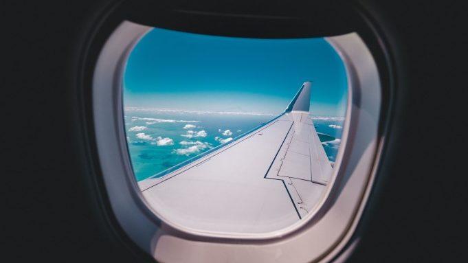 Jak dojechać z lotniska do centrum Bari - samolot